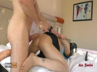Порно видео зрелых дам в попу и пизду - две красотки трахаются